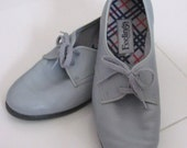 Mint 70s Vintage KAUFMAN GREY OXFORD Shoes with stylish plaid lining - Dove Grey, Size 7 - Complete that Secretary Look - 4x Treasury Item