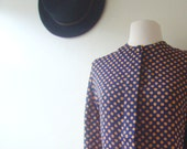 polka dot blouse in navy and rust with button up front / 1980s / l