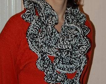 Ruffle scarf black white bulky double strand infinity