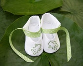 Jumping Frogs baby shoes size 3 to 6 mo.