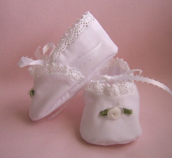 White Lacy Baby Shoes, Heirloom Inspired size 3 to 6 mo. Vintage Look Baby Booties, Baptism shoes, Christening Booties
