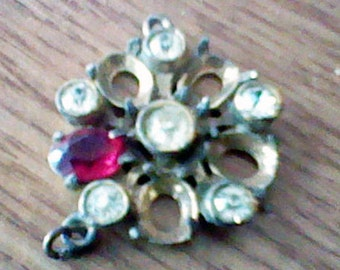 Vintage Rhinestone Pendent for upcycling