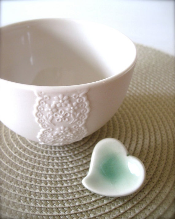 New Lovely Porcelain Lace Bowl with Celadon Green Heart Cutlery Rest-Hideminy Lace Series