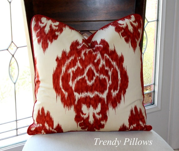 On Sale Duralee Red Medallion Pillow Cover, Decorative Pillow Cover, Accent Pillow, Throw Pillow, toss pillow