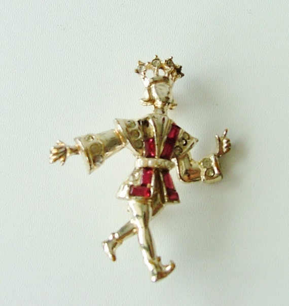 SALE // Prince Pin Brooch - Pink Rhinestones gold tone metal