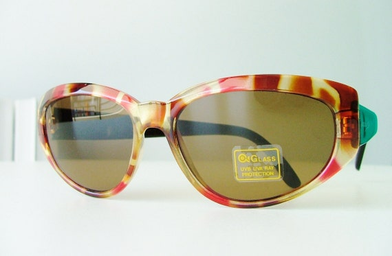 RESERVED for Poorkid / vintage 80s cat eye sunglasses / tortoise shell