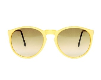 small round sunglasses - vintage yellow sunglasses - junior size child / teenager / small womens sun glasses