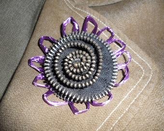 """Brooch - Vintage Metal Zipper """"Flower"""""""