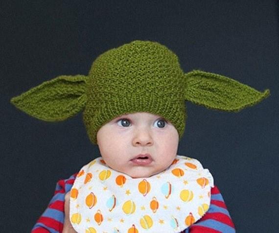 Baby Yoda beanie - Star Wars (newborn size to 3 months)