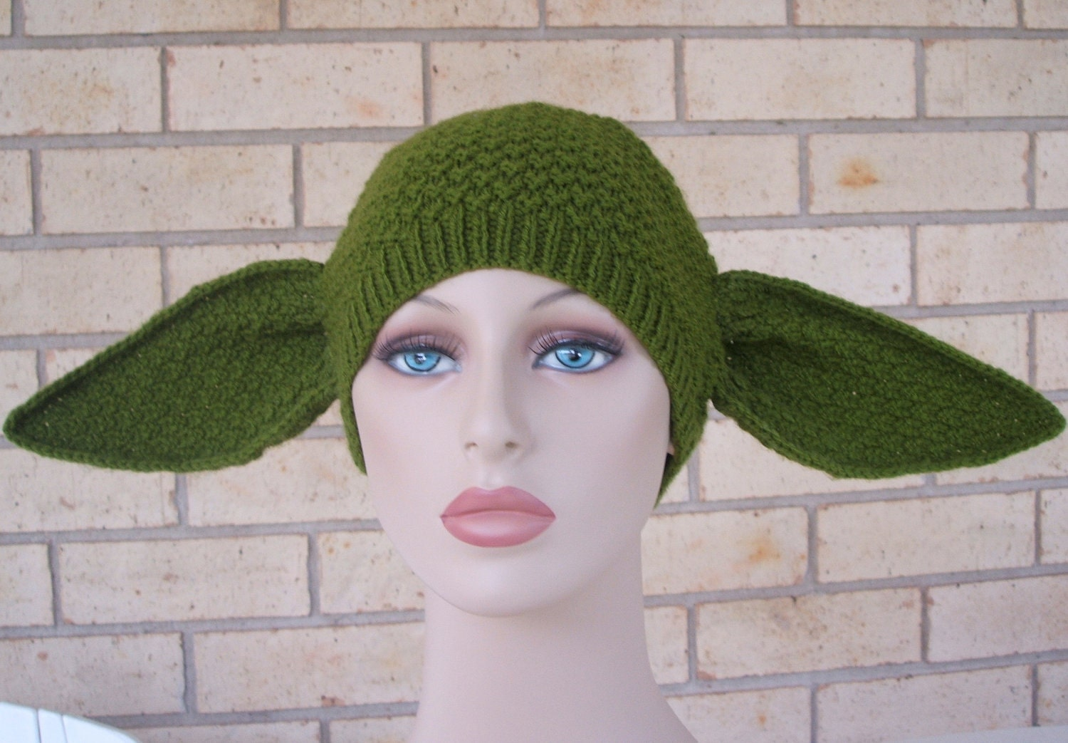 Knitting Pattern Baby Yoda Hat : Adult female size yoda hat