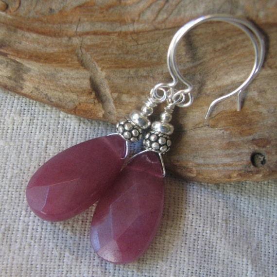 raspberry quartz briolette earrings