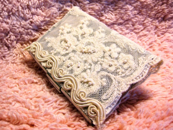 CHICHI Stunning Busines Card Case  - Victorian Beading Cream White Flora Lace Vintage Feminine Style