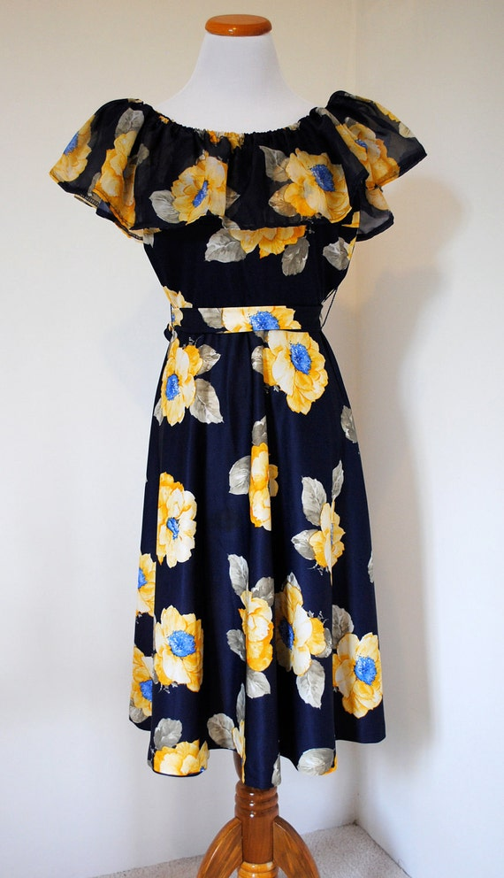 Vintage 80's - floral off the shoulder long dress - size medium