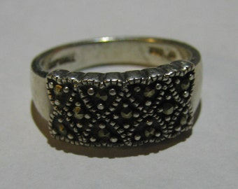 Vintage Sterling Silver Ladies Ring with Sparkling Marcasites in a Heart Like Design Size 8