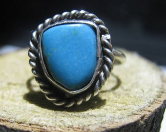 Small Old Pawn Silver Turquoise Ladies Ring with Blue Turquoise Stone Size 5 1/4
