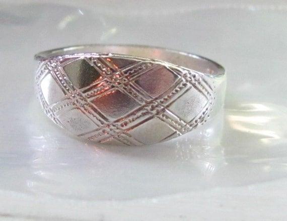 Designer Vintage Sterling Silver Ring Band Size 6 Great Vintage Vertical Design Ladies Womens
