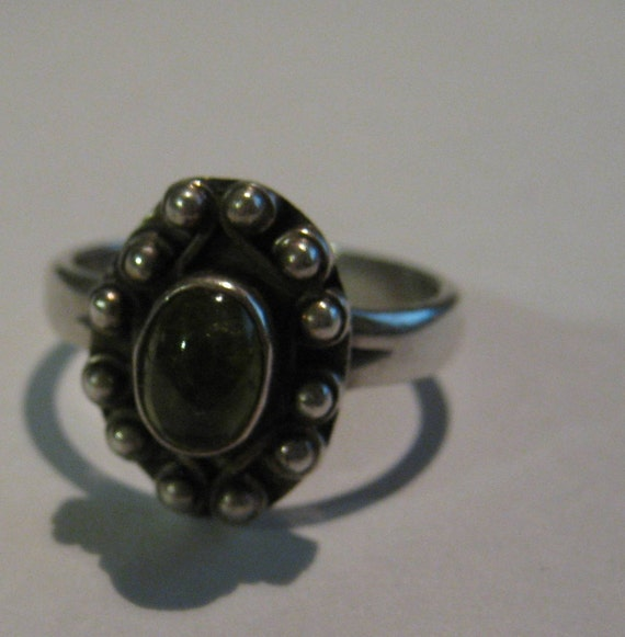 Art Deco Vintage Sterling Silver Ring with Green Peridot Gemstone Ladies Size 7