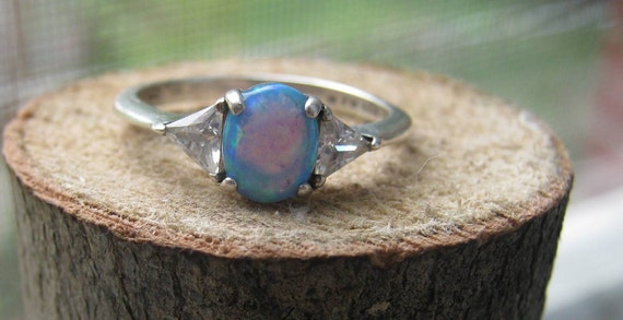 Vintage Avon Sterling Silver Ring With Opal By
