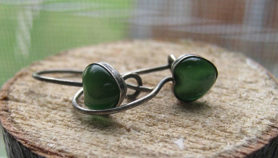 Pair of Vintage Sterling Silver Ladies Earrings Small Heart Style with Green Cats Eye Gemstones