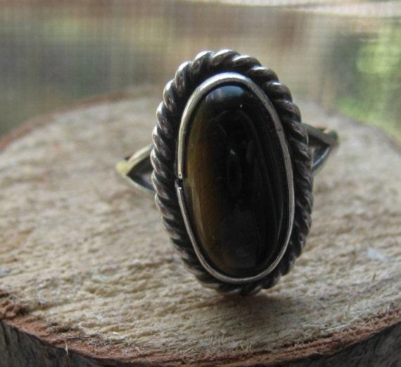 Vintage Sterling Silver Ladies Ring with Tigers Eye Gemstone Size 6 1/2