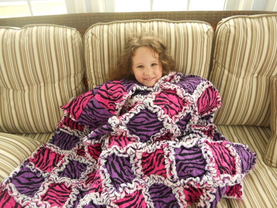 Beautiful rag quilt - OOAK, On SALE for the summer,  comfy, and extra fluffy - Ready to be shipped