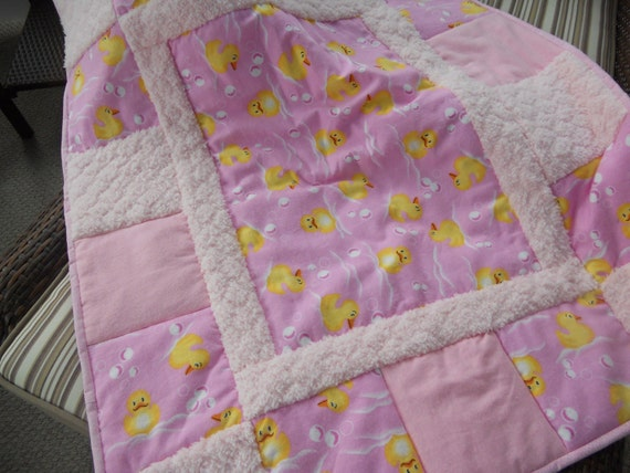 Sale.    Price just reduced - Baby Blanket Quilt - Girls Baby Blanket with Ducks