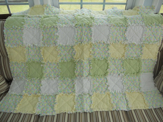 Rag Quilt Baby Blanket, soft and cuddly in pastel colors.