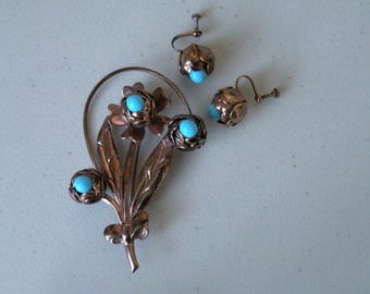 20% off Turquoise blue flowers buds brooch, pin, screw back earrings. Brass. 3D.SET