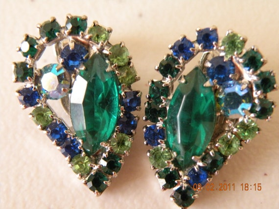 20% off WEISS multicolor clip on earrings. Emerald, Peridot, dark blue and blue aurora borealis.