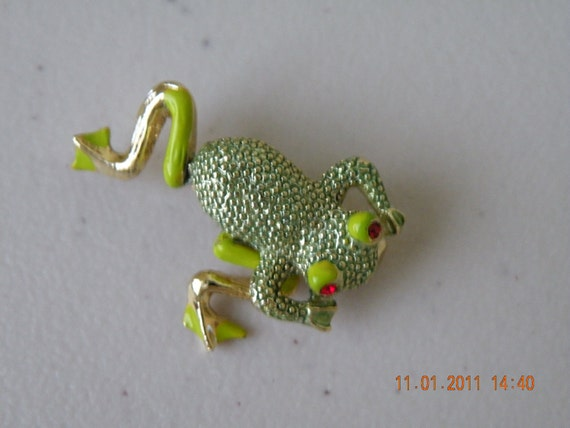 Sale Frog brooch pin. Movable legs. Enamel, rhinestones. Gold plate