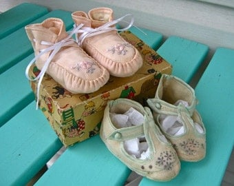 Set of Two Vintage Infant Shoes