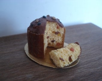 Miniature Italian panettone with slice