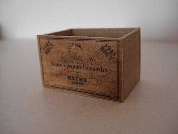 Caisse En Bois Vintage : Veuve Clicquot Champagne