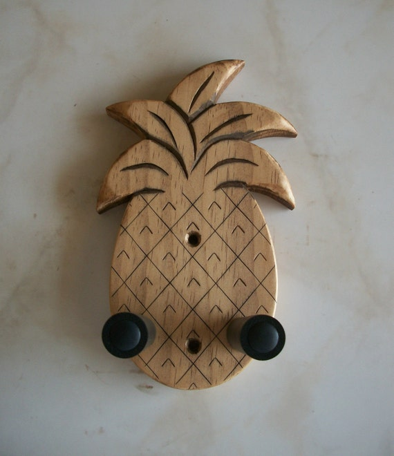 unique ukulele wall mount hanger hand carved by toucanmango. Black Bedroom Furniture Sets. Home Design Ideas