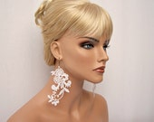 Wisteria lace earrings white short version