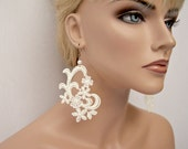 Jonquil lace earrings ivory