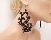 Jonquil black lace dangle earrings