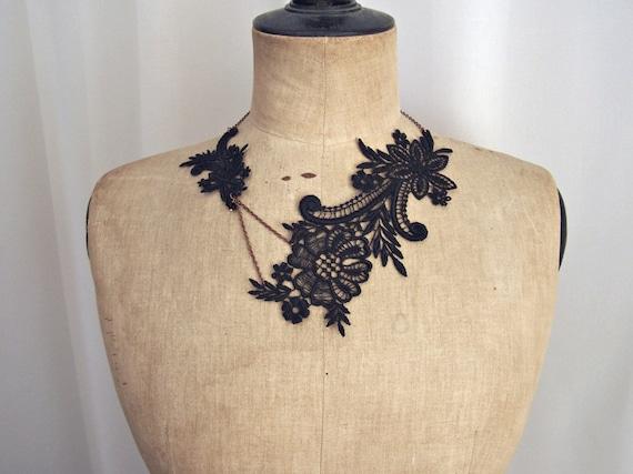 Magnolia black lace necklace