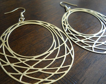 FISHNET-Round Gold Fishnet Hoop Earrings