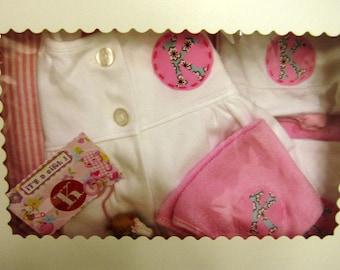 EXAMPLE of Baby girl gift set