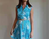 Vintage 70s Dress / Floral Silhouettes Day Dress / Medium