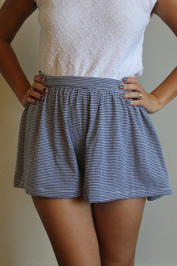 High Waisted Shorts  /  Cotton Summer Shorts  /  Vintage 80s  /  Small or Medium