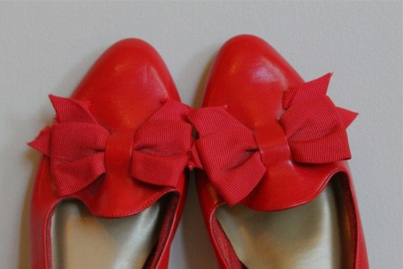 Vintage Red Shoes / Flats with Ribbon Bow  Size 6