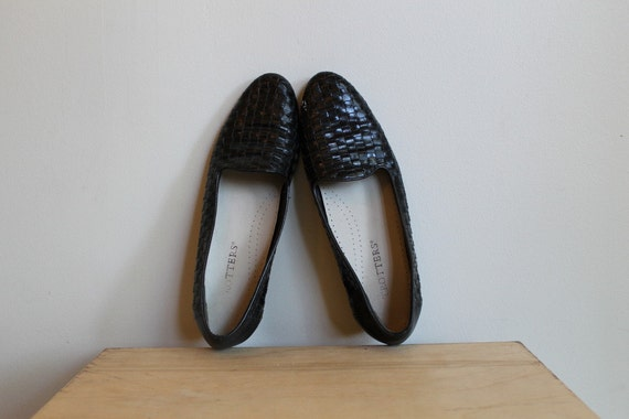 Basket Woven Loafers Slip Ons In Shiny Black Leather Vintage 90s Trotters Size 7