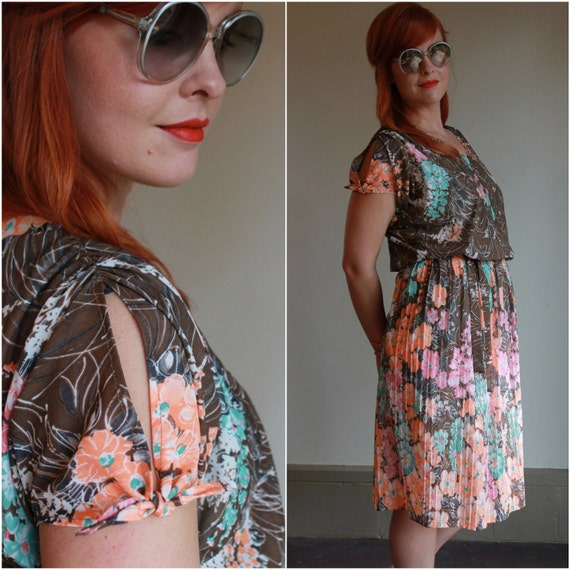 Vintage 70s Dress  /  Sheer Retro Floral Dress  /  Accordion Pleated Dress  /  Medium or Large