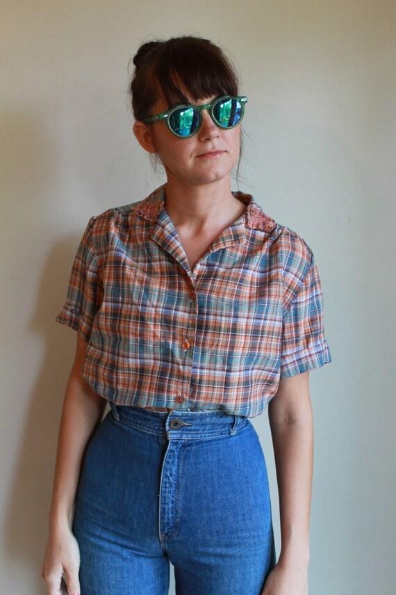 70s Plaid Shirt  /  Plaid Button Down Blouse  /  Lace Collar  /  M