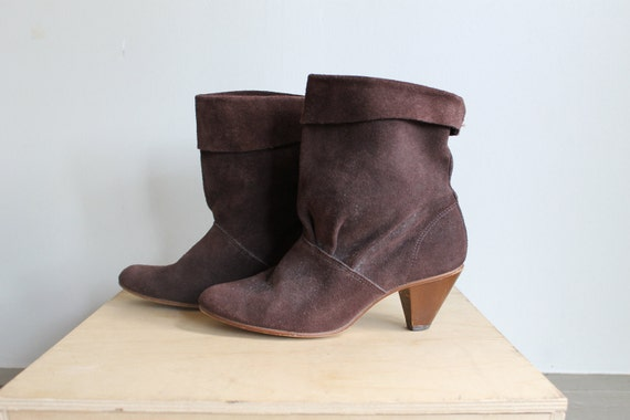 70s Suede Ankle Boots  /  Slouchy Leather Boots With Wooden Heel  /  7.5 or 8