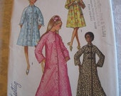 UNCUT FF Vintage 70s Misses Robe with Stand Up Collar Simplicity 9074 Sewing Pattern Size 18 Bust 40