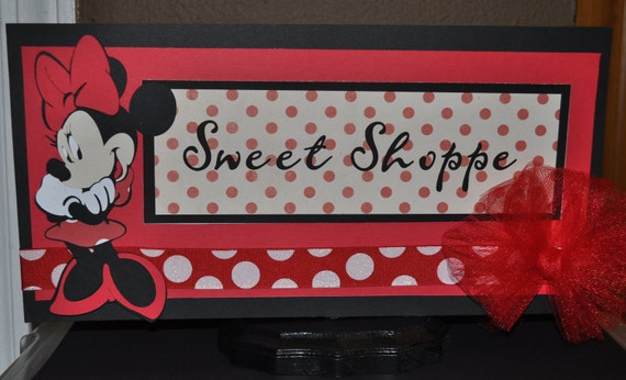 Minnies Sweet Shoppe sign