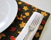 Pair of Reversible Placemats: Thanksgiving Falling Golden Leaves
